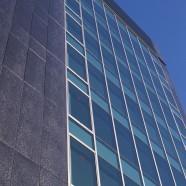 T製薬 本社ビル